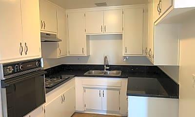 Kitchen, 5921 Belgrave Ave, 1