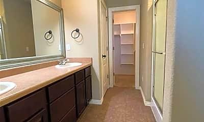 Bathroom, 2904 SW Wentworth Ave, 2
