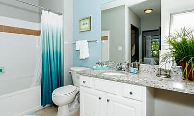 Bathroom, 701 Highland Ave NE, 2