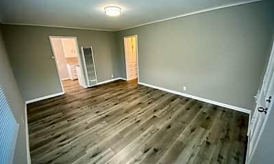 Living Room, 506 Raymond Ave, 1