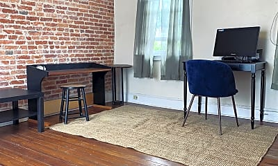 Dining Room, 734 N Taylor St, 1