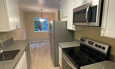 Kitchen, 1015 Continentals Way, 1