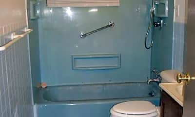 Bathroom, 804 E Jefferson St, 1