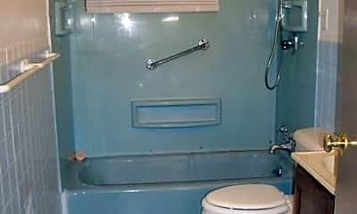Bathroom, 804 E Jefferson St, 1