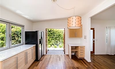 Kitchen, 537 Bernard St B, 1