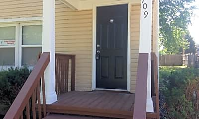 Patio / Deck, 709 Porter St, 1
