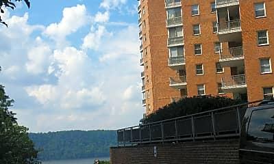 River Terrace Apartments, 2