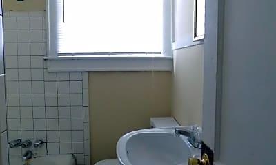 Bathroom, 355 Virginia St, 2