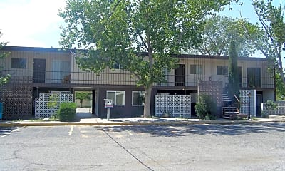 Building, 1210 N Main St, 1