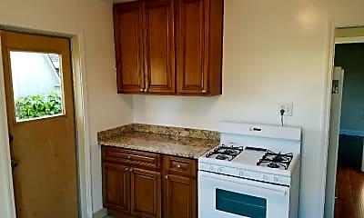 Kitchen, 506 Redwood Ave, 1