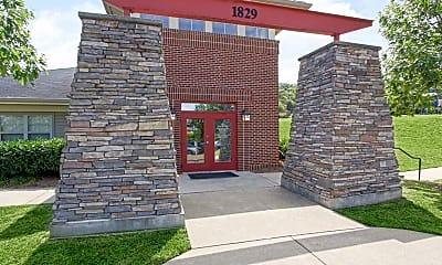Leasing Office, Summer Ridge, 1
