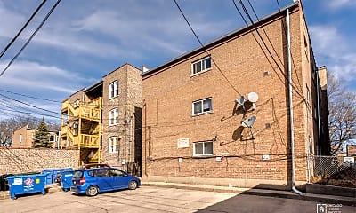 Building, 2645 W Carmen Ave, 2