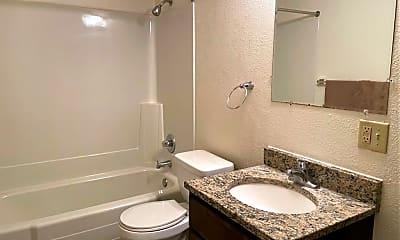 Bathroom, 330 2nd Ave S, 2