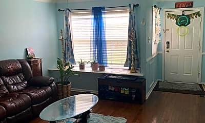 Living Room, 86 Quince Cir, 1