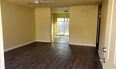 Living Room, 3007 W Walnut Ave, 1