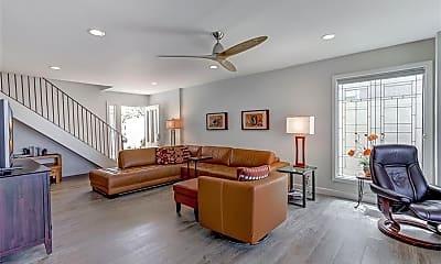 Living Room, 33885 Manta Ct, 1
