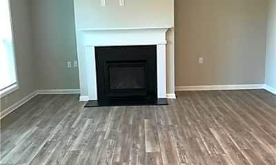 Living Room, 1304 Endicott Ct, 2