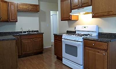 Kitchen, 1112 Irving Ave, 2