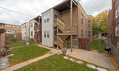 Building, 7318 S Crandon Ave, 2