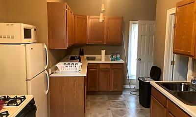 Kitchen, 504 Belvidere St E, 1