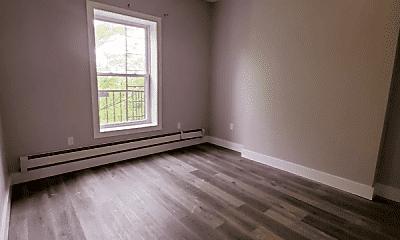 Living Room, 372 Forrest St, 2