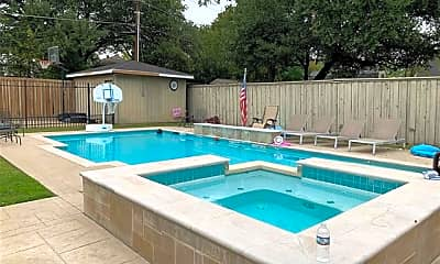 Pool, 4524 Mockingbird Ln, 1