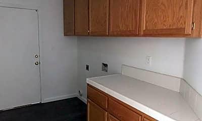 Kitchen, 5901 Bridge Creek Ave, 2