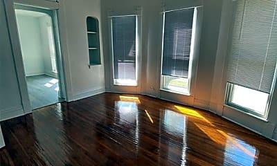 Living Room, 318 S Green St 3, 1