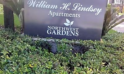 William H Lindsey Apartments, 1