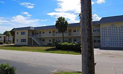Del Rio Apartments, 2