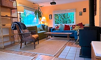Patio / Deck, 1904 12th Ave SW, 0