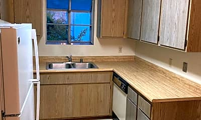 Kitchen, 685 S Lincoln Ave, 2