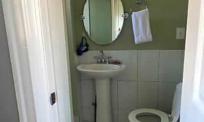 Bathroom, 205 N 36th St, 1