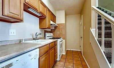 Kitchen, 112 Highland Park Ct, 1