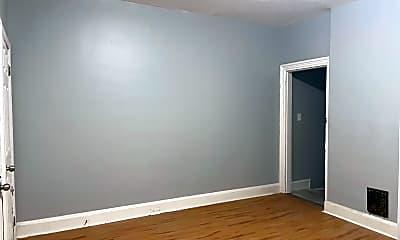 Bedroom, 104 Linden St, 2