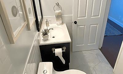 Bathroom, 710 E 200 S, 2