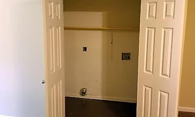 Living Room, 4511 Sequoia Dr, 2