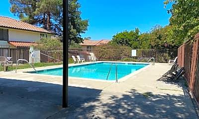 Pool, 505 Del Valle Cir, 2