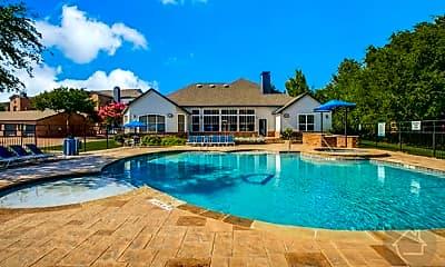 Pool, 2715 Osler Dr, 0