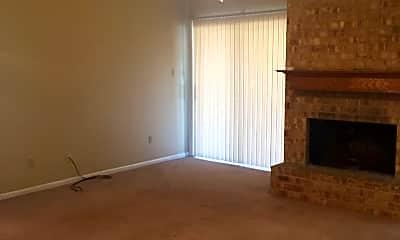 Living Room, 3104 Forestwood Dr, 2