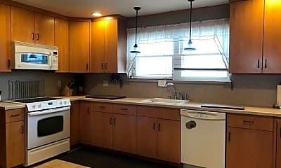 Kitchen, 580 Mineola Ave, 0