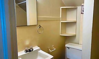 Bathroom, 719 S Edmunds St, 2