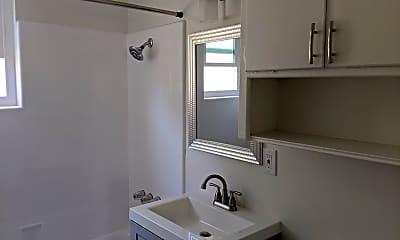 Bathroom, 761 E 46th St, 2