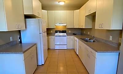 Kitchen, 118 W Lagrange St, 0