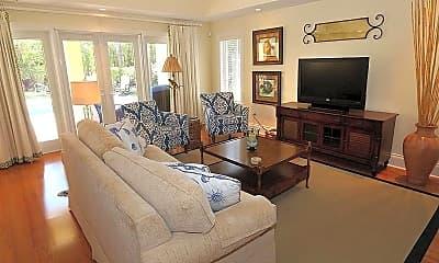 Living Room, 325 3rd St S 6, 1
