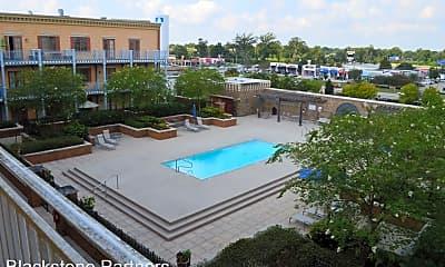Pool, 7707 Bluebonnet Blvd, 2