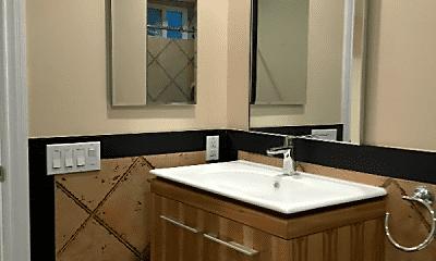 Bathroom, 150 Kenwood Way, 1