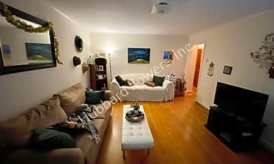 Living Room, 1108 Brennen Rd, 1
