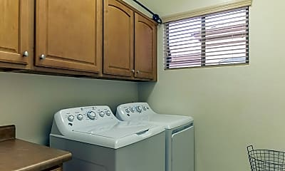 Kitchen, 9619 E Rocky Lake Dr, 2