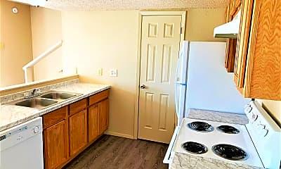Kitchen, 4501 Chase Cir, 2